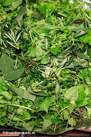 somon-cu-verdeturi-si-lamai-caramelizate-1