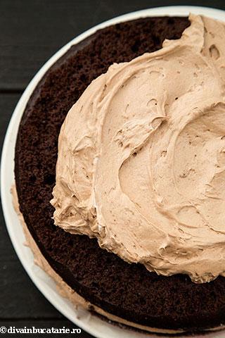 tort-de-ciocolata-cu-crema-amarula-as