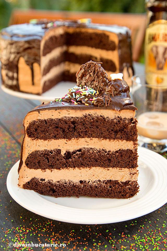 tort-de-ciocolata-cu-crema-amarula-felie