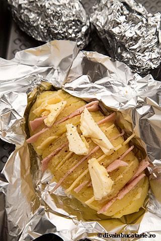 cartofi-acordeon-cu-sunca-si-cascaval-4