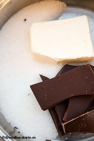cupcakes-de-ciocolata-cu-fluturi-din-capsune-1