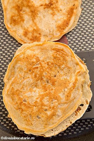 pancakes-cu-banane-4