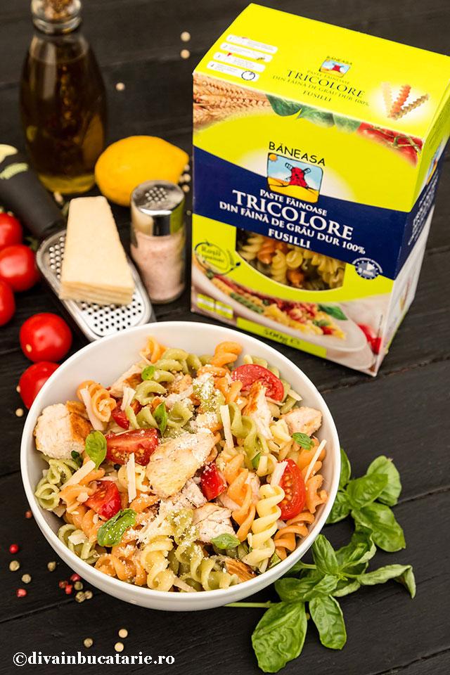 salata-italiana-de-paste-tricolore-cu-pui-PB