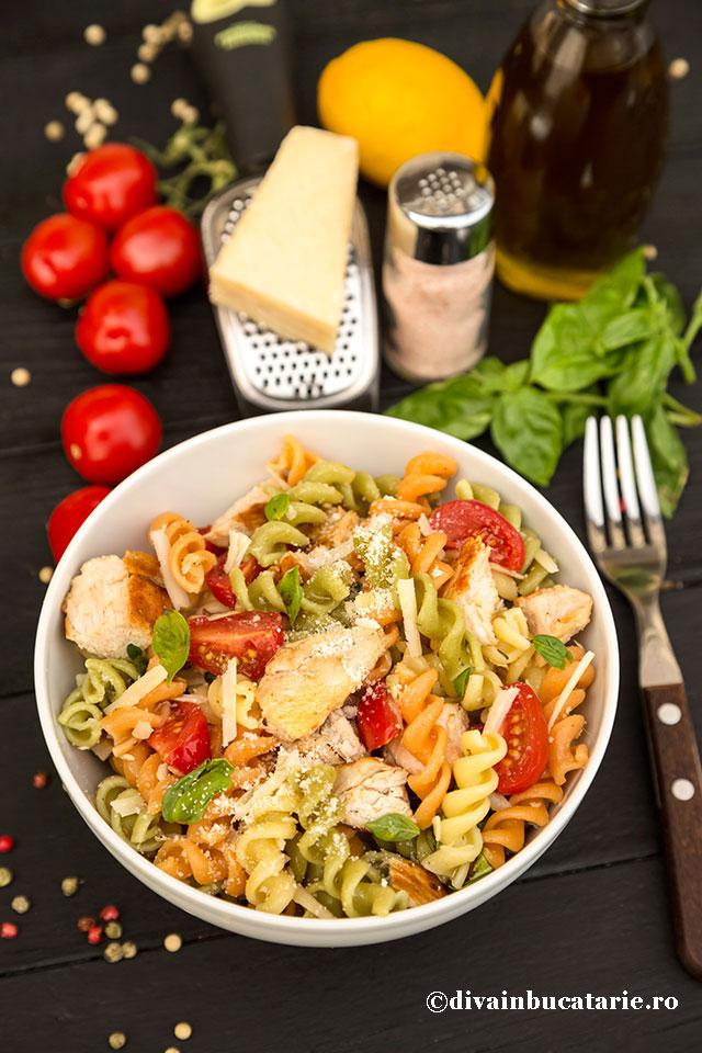 salata-italiana-de-paste-tricolore-cu-pui-b