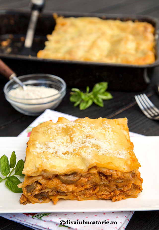 lasagna-cu-pui-si-ciuperci