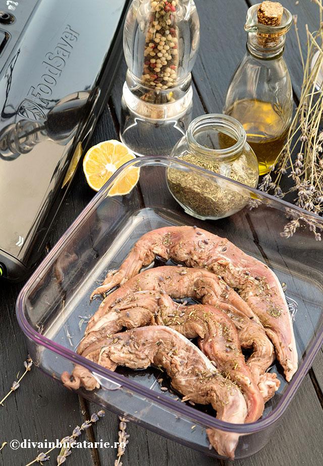 marinata-cu-ierburi-provence-si-lavanda-pentru-miel-ied-oaie