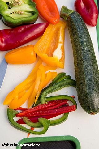 pateuri-de-primavara-zucchini-ardei-divainbucatarie-2