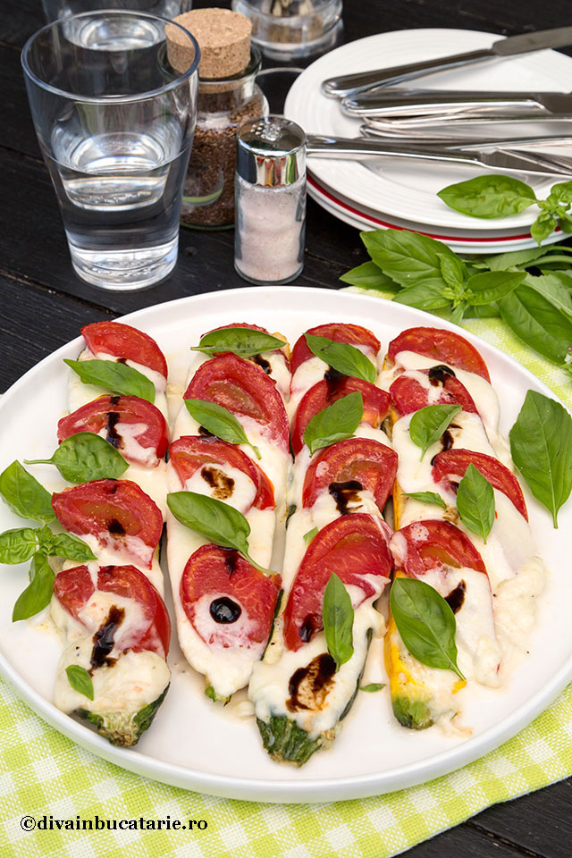 dovleci-caprese---zucchini-cu-mozzarella-si-rosii