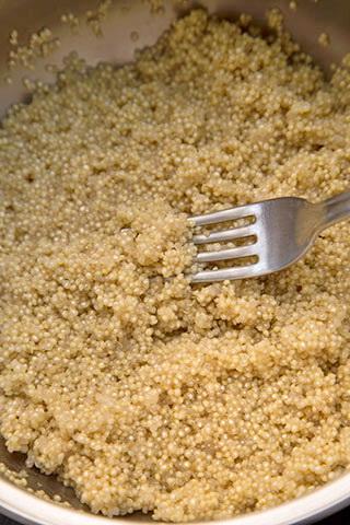 spaghetti-cu-chiftelute-de-quinoa-2