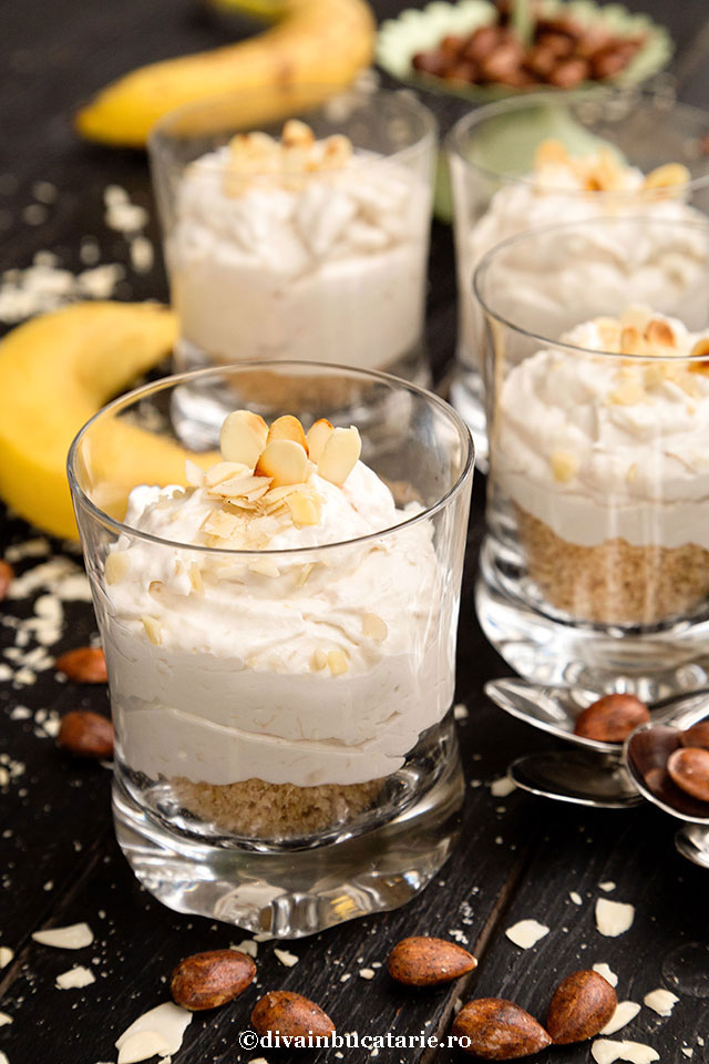 desert-la-pahar-cu-banane-si-migdale