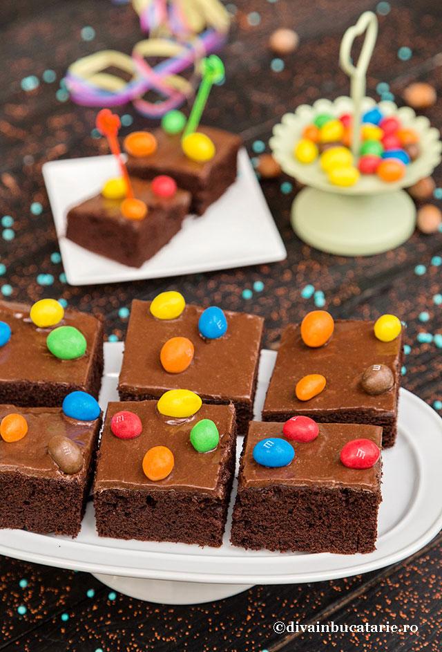 prajitura-de-ciocolata-m&m-A