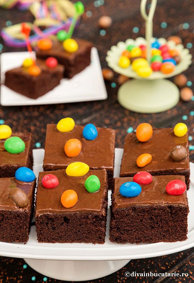 prajitura-de-ciocolata-m&m-B