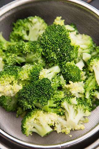frittata-cu-broccoli-1