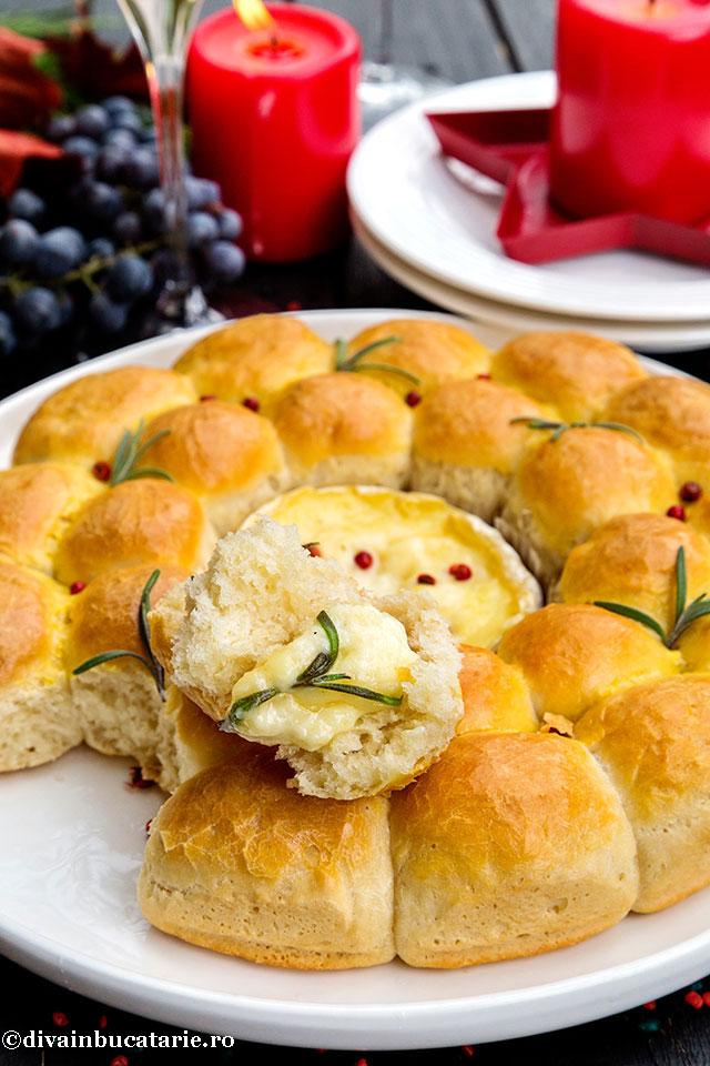 coronita-de-paine-cu-camembert-copt-diva-detaliu