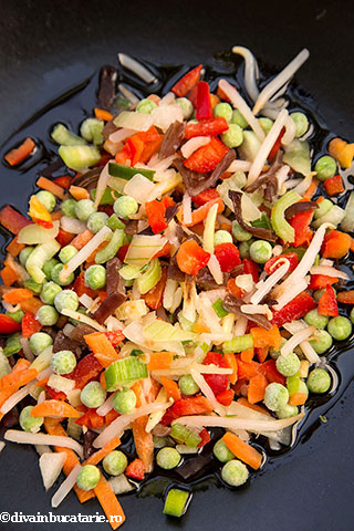orez-cu-oua-si-legume-1