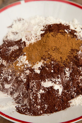 prajitura-rasturnata-cu-banane-si-caramel-4