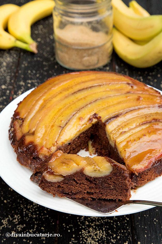 prajitura-rasturnata-cu-banane-si-caramel_-felie