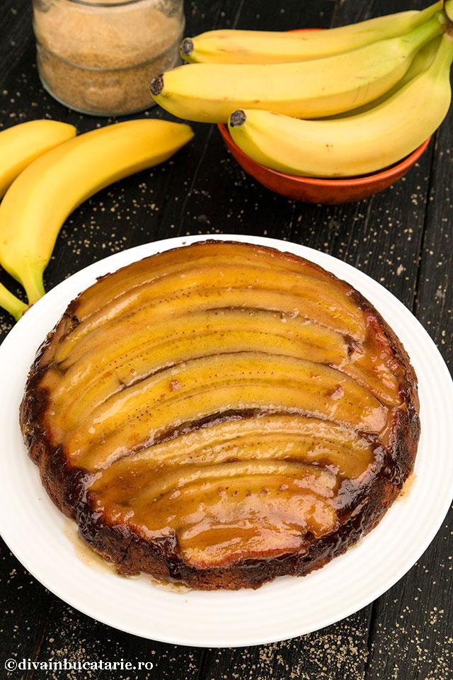 prajitura-rasturnata-cu-banane-si-caramel_divainbucatarie