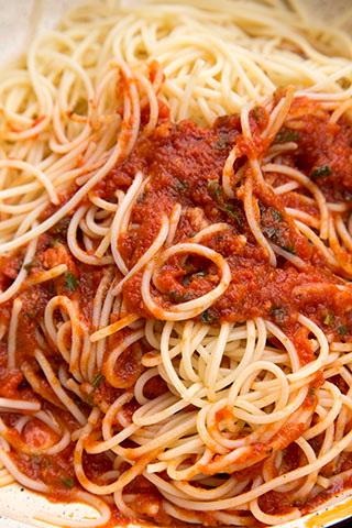 spaghetti-cu-sos-marinara-3
