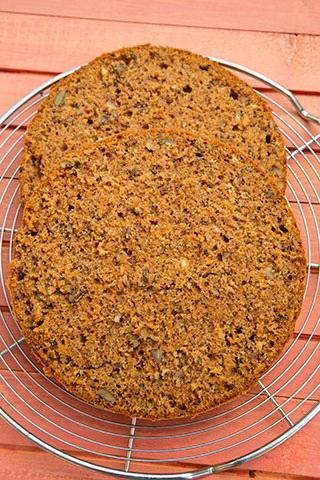 tort-de-morcovi-cu-nuci-mascarpone-si-ciocolata-divainbucatarie-9