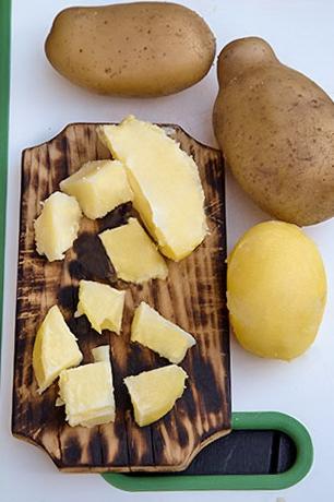 pastrav-pane-cu-salata-de-cartofi-3