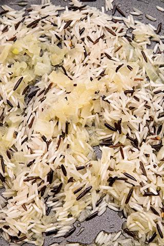 salata-de-ton-cu-orez-si-ardei-1
