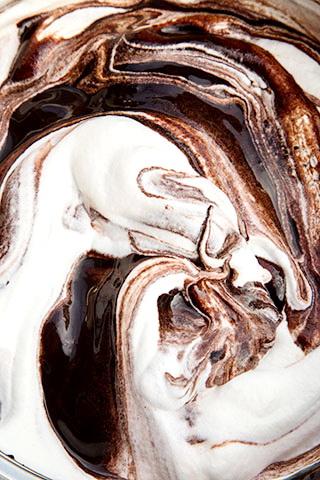 clatite-cu-banane-si-sos-de-ciocolata-4