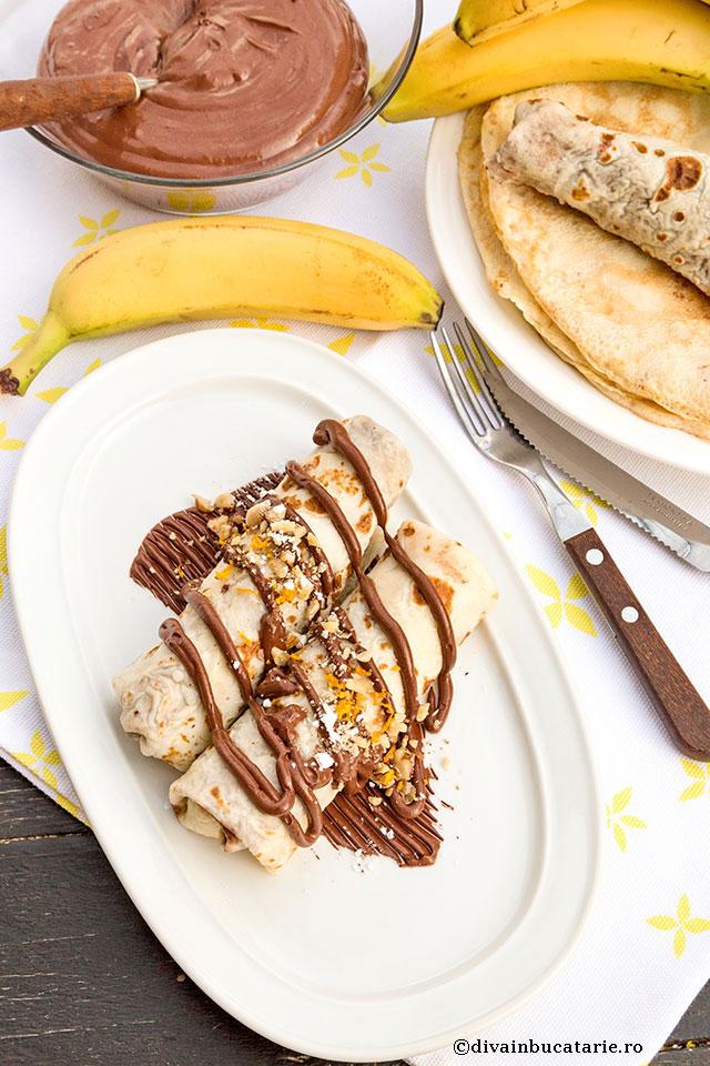 clatite-cu-banane-si-sos-de-ciocolata-b