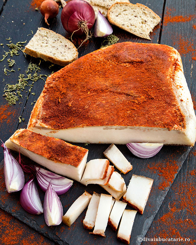 slanina-fiarta-cu-boia-si-usturoi