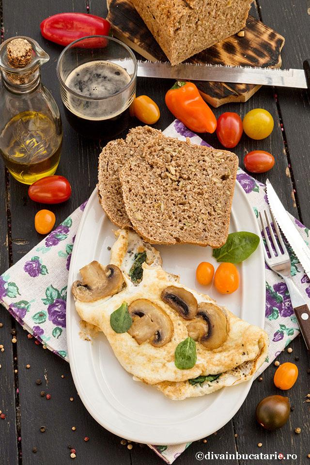 omleta-din-albusuri-cu-ciuperci-si-spanac