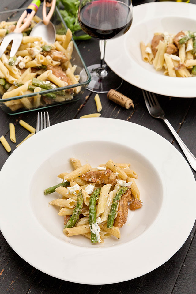 paste-cu-pui,-asparagus-si-branza-de-capra-A