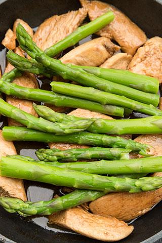 paste-cu-pui,-asparagus-si-branza-de-capra-ingrediente-5a