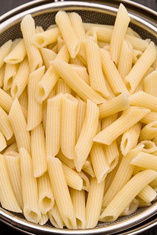 paste-cu-pui,-asparagus-si-branza-de-capra-ingrediente-7