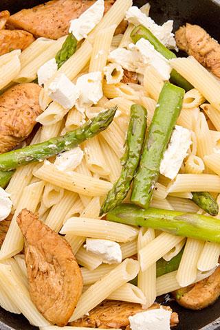 paste-cu-pui,-asparagus-si-branza-de-capra-ingrediente-8