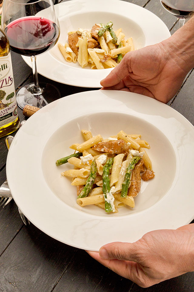 paste-cu-pui,-asparagus-si-branza-de-capra-ingrediente-C