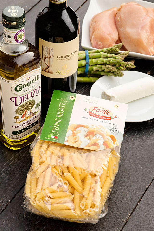 paste-cu-pui,-asparagus-si-branza-de-capra-ingrediente