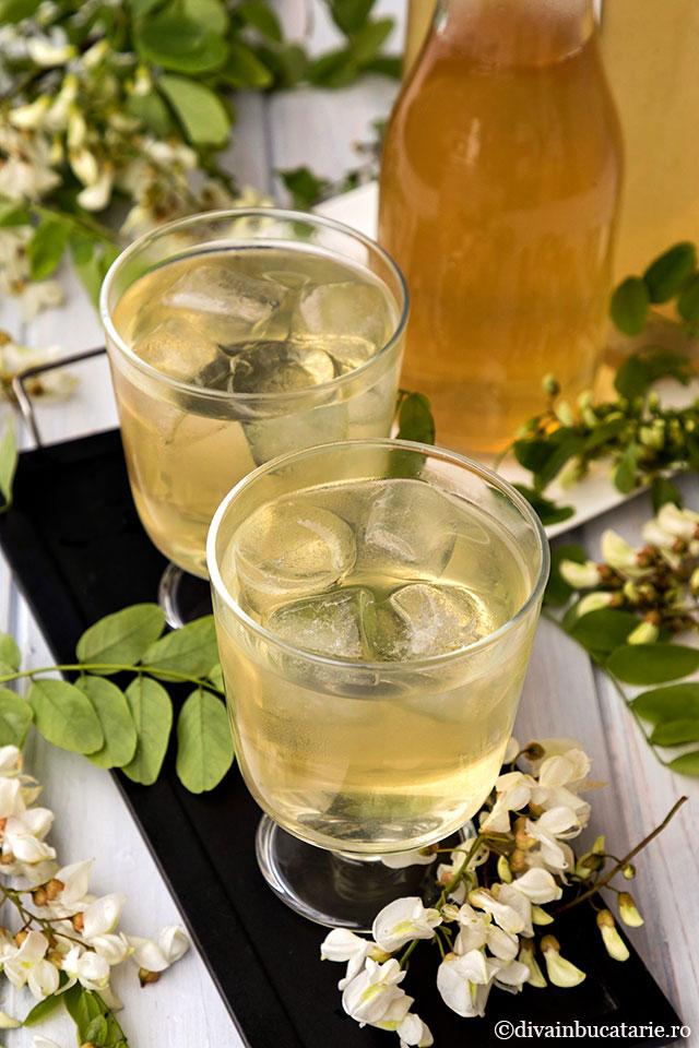 Sirop natural din flori de salcam, fara conservanti