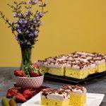 prajitura cu crema de mascarpone, capsuni si rubarba