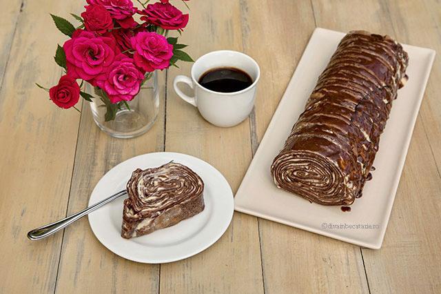 Rulada Tiramisu din clatite cu cacao diva in bucatarie o