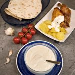 Sos libanez de usturoi - reteta toum diva in bucatarie