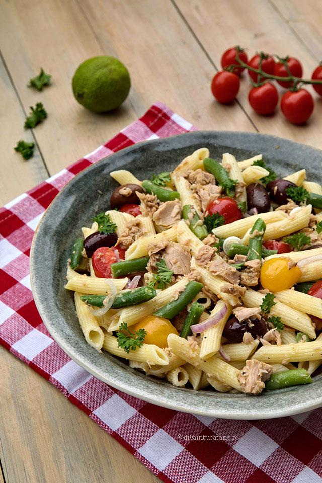 salata de paste cu ton si fasole verde v