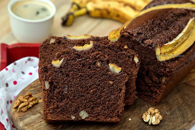felie chec de post cu banane si cacao